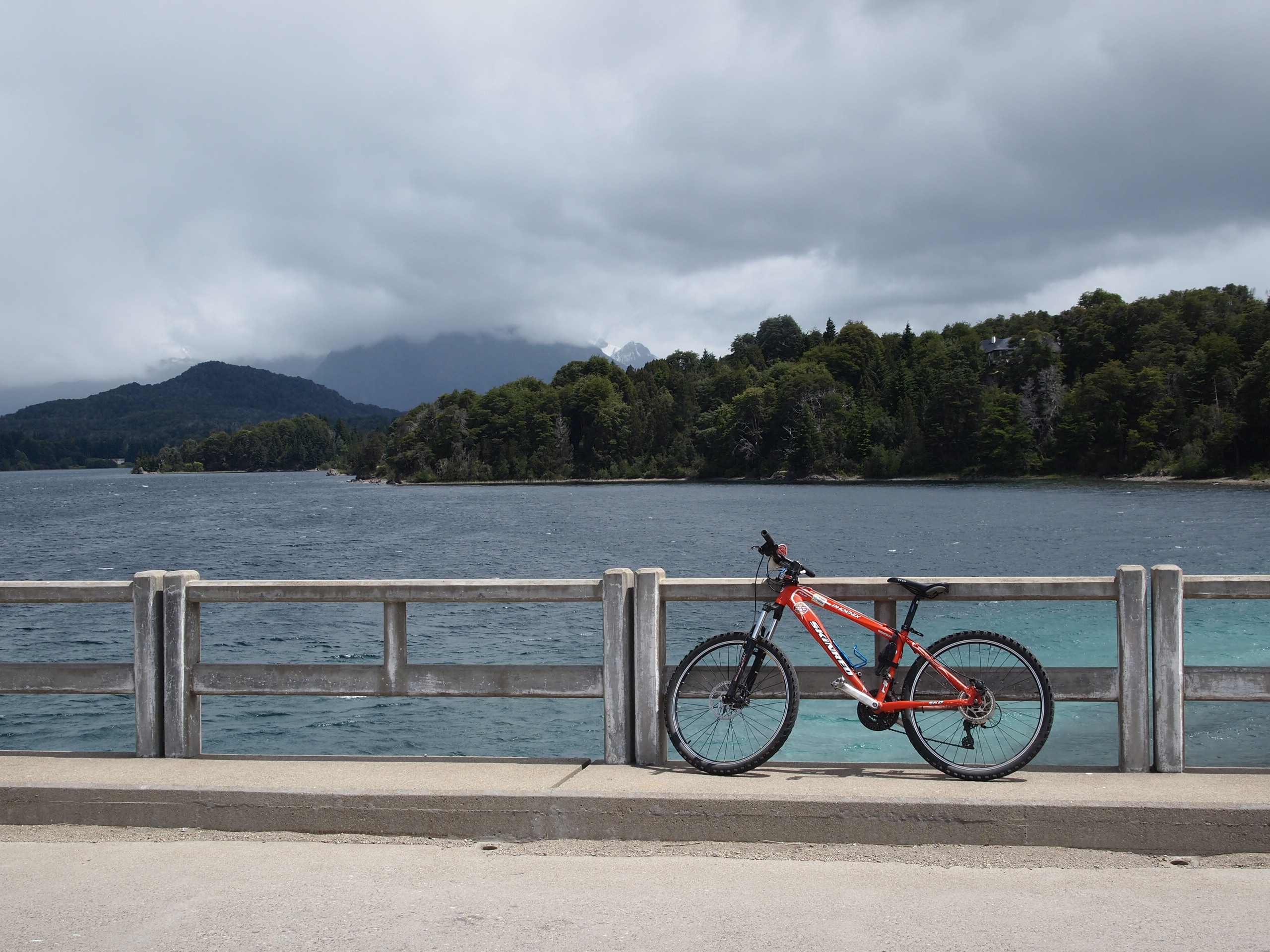 One of very few photos from my 27km bike ride through Bariloche.